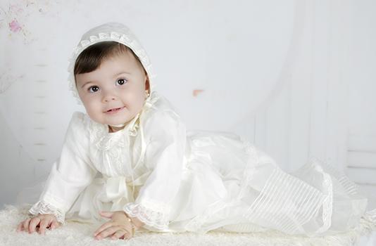 niña de bautizo